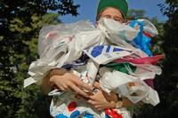 Deutsche Umwelthilfe fordert Abgabe auf Kunststofftüten statt Selbstverpflichtung