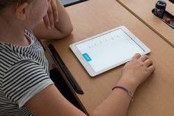 E-Learning: Schulen erhalten Tablets aus Sofortausstattungsprogramm