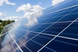 CO2-Reduktion: Erneuerbare Energien effektiver als Atomkraft